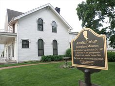Amelia Earhart house Atchison, KS 50 States, United States, The Places Youll Go, Places To Visit, Amelia Earhart, Geocaching, More Pictures, Kansas, Road Trip