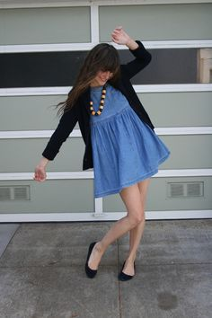 saving for a denim dress! Skirt Outfits, Denim Dresses, Denim Fashion, Fashion Outfits, Dress Like A Parisian, J Crew Shoes, Southern Fashion, Stylish Outfits, Autumn Fashion