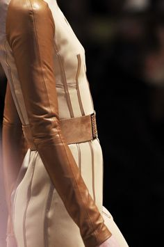 Gianfranco Ferré F/W 2010 detail