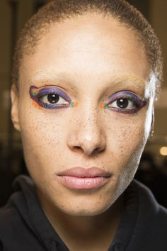 http://www.vogue.com/fashion-shows/fall-2016-ready-to-wear/fendi/slideshow/beauty