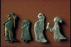 From left to right finds from: Tuna, Uppland; Birka grave Bj 825; Sibble, Södermanland; Klinta, Öland;