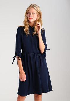 Vero Moda VMADRIANA - Blusenkleid - navy blazer für 39,95 € (02.09.17) versandkostenfrei bei Zalando bestellen.