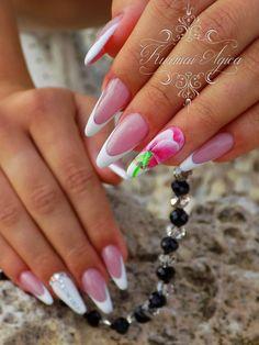 #nails #nailart #swarovski #longnails #frenchnails #nailswag #nailstagram #naildesigns #velvetnails #velvetart
