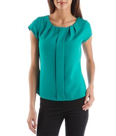 Women's blouse with cut-out back