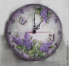 Часы настенные в объемной технике с сиренью. Handmade. $70
