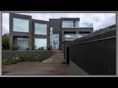 Villa i 4 forskudte plan Arkitektfirmaet Artform Bygform Arkitekt Henrik. Garage Doors, Villa, Windows, How To Plan, Outdoor Decor, Home Decor, Decoration Home, Room Decor, Window