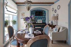 Средиземноморский стиль в интерьере: гостиная в загородном доме