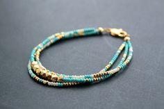 Cielo d'oro bracciale pepite d'oro Vermeil blu di MordakkDesigns, $48.00