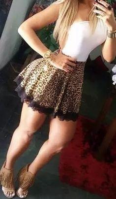 mini saia gode rodada curta neoprene preta onça estampada Neoprene, Short Skirts, Cute Skirts, Short Dresses, Sexy Dresses, Fashion Clothes, Girl Fashion, Womens Fashion, Fashion Spring