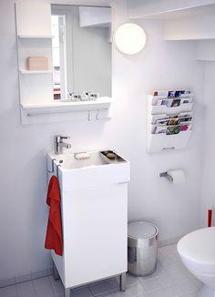 LILLÅNGEN white wash-basin cabinet with one door and mirror with shelves - siisti allaskaappi, kivat pyyhekoukut