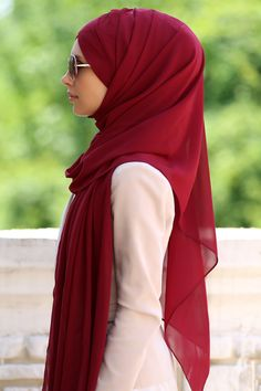 the Beauty of the Modesty Arab Fashion, Islamic Fashion, Muslim Fashion, Modest Fashion, Beautiful Muslim Women, Beautiful Hijab, Hijab Outfit, Hijab Wear, Modest Wear