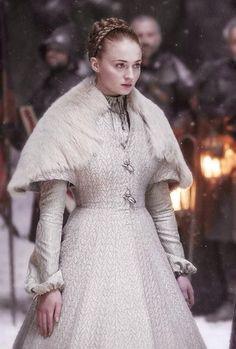Pin this to your board! - Big Game of Thrones Sale on https://www.world-of-westeros.com/ - Sansa en su boda con Ramsay Bolton...qué triste novia y qué horrible enlace!!!, pero el Norte no olvida.