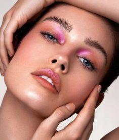 eyeliner colorful for brown eyes . eyeliner colorful natural looks . Makeup Geek, Makeup Inspo, Eyeshadow Makeup, Beauty Makeup, Hair Makeup, Eyeshadow Palette, Makeup Guide, Blue Eyeshadow, Vogue Makeup