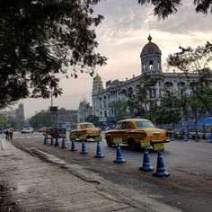 Calm morning on the #streets of #Kolkata #India #Asia Manhã calma nas ruas de #Calcuta Índia - This photo is showing on my Instagram https://www.instagram.com/p/BE_nF_dt3ZA/ and you can also visit my Adventure travel blog at http://www.joaoleitao.com - thanks!
