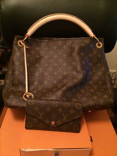 f96ca2ae0824 15 Best Michael Kors images | Leather purses, Leather totes, Michael ...