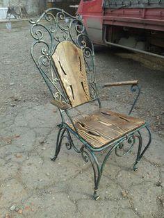 Iron Furniture, Steel Furniture, Industrial Furniture, Wrought Iron Bench, Wrought Iron Decor, Wood And Metal, Metal Art, Blacksmith Projects, Iron Work