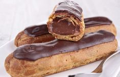A true classic that never lets you down. The real French chocolate éclairs have a chocolate cream filling, and not some kind of vanilla custard like many recipes in English would have you believe. Top 10 Desserts, French Desserts, Delicious Desserts, Dessert Recipes, Yummy Food, French Food, Cake Recipes, French Chocolate, Chocolate Filling