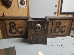 DIY Dungeons and Dragons DM screen (#QuickCrafter)