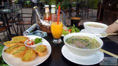 Pho Bo und Pho Ga - Check more at https://www.miles-around.de/asien/vietnam/hanoi-tran-quoc-pagode-ein-saeulen-pagode-und-literaturtempel/,  #Fotografie #Hanoi #JadebergtempelbeiNacht #Reisebericht #Tempel #TranQuocPagode #Vietnam