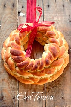 Russian Braided Wreath ~ Note must use Google translate to read recipe.