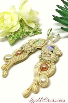 Wedding ivory textile soutache earrings. Crystal soutache jewelry. Orecchini soutache sposa. Сутажные украшения. Серьги из сутажа.