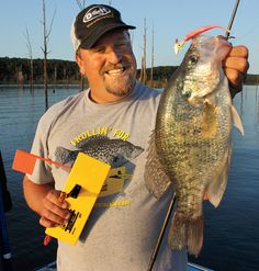 Planer Board Crappies is a great article about using boards to troll for crappies, a method that works awesome in lakes, rivers, and reservoirs everywhere.