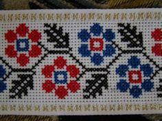Gallery.ru / Фото #47 - Дрібнички - svetik67 Cross Stitch Boards, Just Cross Stitch, Cross Stitch Bookmarks, Cross Stitch Rose, Cross Stitch Flowers, Cross Stitching, Cross Stitch Embroidery, Hand Embroidery, Cross Stitch Designs