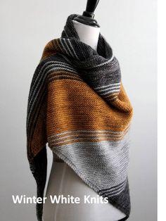 Knitting pattern knit shawl Triangle scarf pattern PDF - Knitting a love Triangle Scarf, Knit Picks, Easy Knitting, Finger Knitting, Knitting Scarves, Knitting Tutorials, Knitting Projects, Knitted Shawls, Lace Shawls