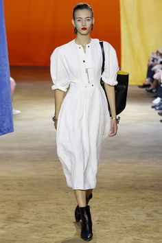 Céline Spring 2016 Ready-to-Wear Fashion Show Fashion Show Review