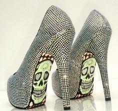 Halloween heels with rhinestones.  Now, THAT's cool!  www.harmanbeads.com