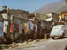 Cape Town has been voted as one of the most beautiful cities in the world, and these vintage photos show the city in a way you've never seen – or at the very… Old Pictures, Old Photos, Vintage Photos, Landscape Photos, Landscape Photography, Cape Town South Africa, Slums, Most Beautiful Cities, Historical Pictures
