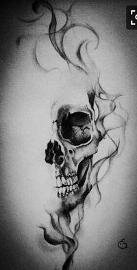 Skull with smoke effect || realistic drawing by Eline Groe
