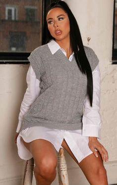 Jumper de malha cinza com decote em V e sem mangas - Arielle Sleeveless Jumper, Spring Sale, Cable Knit, White Shorts, Trousers, Vest, Classy, V Neck, Knitting