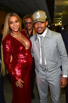 Chance the Rapper Manages to Keep His Cool While Posing With Beyoncé at the Grammys