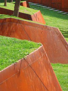 Corten steel retaining wall