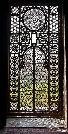 We can't get enough of these ornate arabesque windows. Islamic Architecture, Art And Architecture, Architecture Details, Arabesque, Kairo, Window Screens, Unique Doors, Door Knockers, Moorish