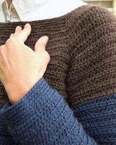 Den nemmeste sweater, gratis hækleopskrift på den herligste uldsweater Crochet For Beginners, Crochet Accessories, Crochet Clothes, Fingerless Gloves, Arm Warmers, Knit Crochet, Diy And Crafts, Shirts, Sewing
