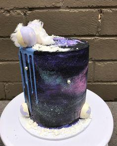 Art Cakes, Cake Art, 11th Birthday, Birthday Bash, Galaxy Desserts, Cupcake Cookies, Cupcakes, Galaxy Cake, Mirror Glaze Cake