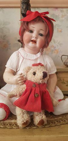 Red Dolls, Half Dolls, Antique Dolls, Vintage Dolls, Bear Patterns, Realistic Baby Dolls, Christmas Bird, Doll Display, China Dolls