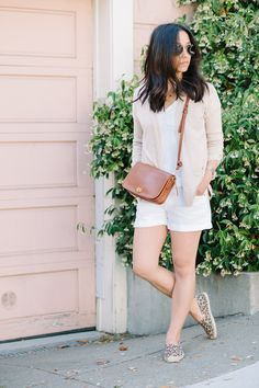 Blogger Crystalin Marie embraces relaxed style in a Gap cardigan.