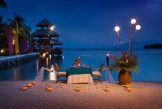 1-Pearl-Farm-Hotel-moonlit-beach-dinner.jpg