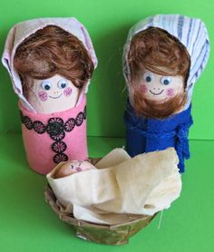 Little Nativity Toilet Paper Roll Craft | The perfect easy Christmas craft!