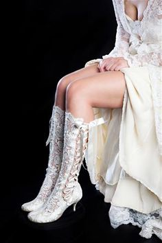 Elegant Vintage Style Knee Length Lace Bridal Boot
