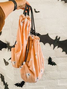 DIY Trick-Or-Treat Drawstring Bags from kitchen towels