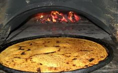 Socca, specialty from Nice France, (kind of a large thin pancake made with chickpea flour and cooked in a wood brick oven. Socca Nice, Omelette, Specialite Nicoise, Socca Recipe, La Socca, Chickpea Pancakes, Thin Pancakes, Gluten Free Recipes, Healthy Recipes
