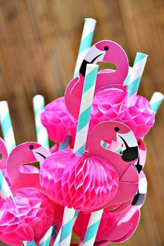 flamingo straws for your next pool party. love these