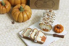 For more minis by Pui Yie of Petit D' Licious , visit:    Etsy: etsy.com/shop/PetitDlicious   Blog:...