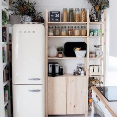 Cutest little kitchen! @macarenagea
