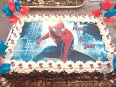 #bakkerij #edelweis #aalst #spiderman #fototaartspiderman #patisserie #bakker #bakkeraalst #bakery Cake, Desserts, Food, Tailgate Desserts, Deserts, Kuchen, Essen, Postres, Meals