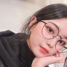 Korean Makeup, Korean Beauty, Asian Beauty, Korean Glasses, Ideal Girl, Girl Korea, Ulzzang Korean Girl, Uzzlang Girl, Fashion Painting